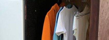 Veřejná šatní skříň Foto: INEX - Sdružení dobrovolných aktivit