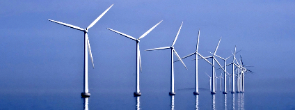 Větrná farma na moři Foto: Slaunger Flickr