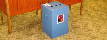 Volební místnost. Foto: Ludek/Wikimedia Commons