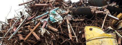 Hromada železného šrotu Foto: Sakonboon Sansri Shutterstock